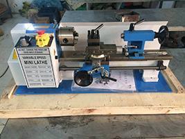 2016 nueva venta caliente mini torno máquina herramienta máquina torno de madera engranajes de metal mini torno C0618 para el hogar de Alta Calidad