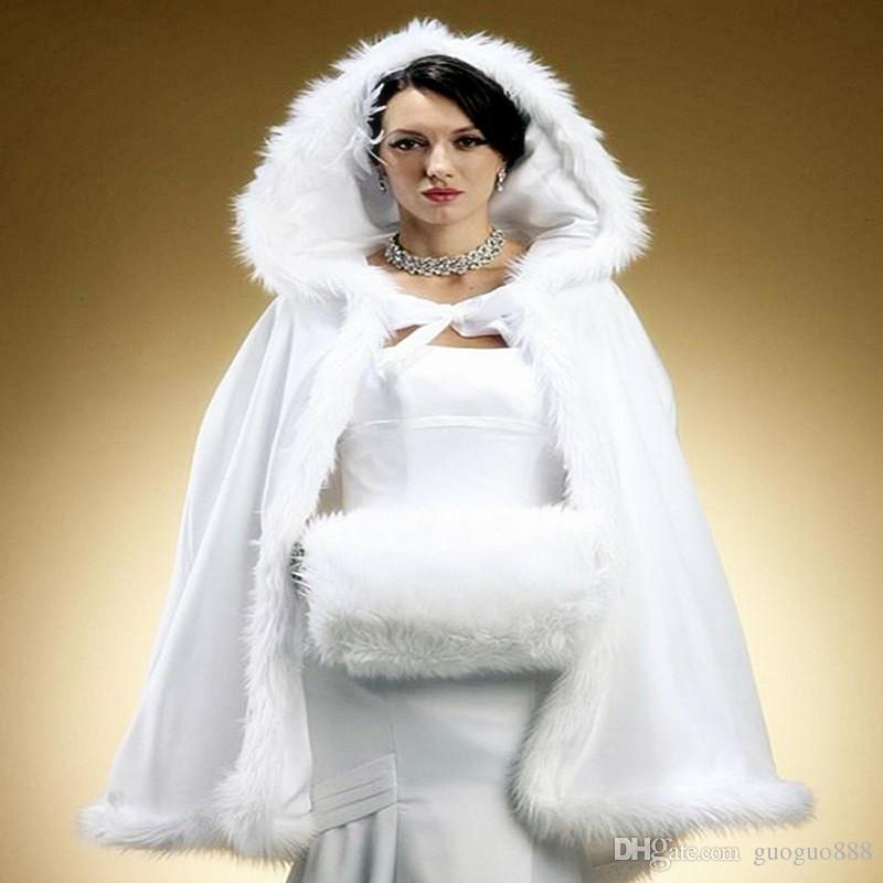 2020 Warm Wardal Cape Wraps Custom Made Winter Wedding Cloak Cape Cappuccio con rivestimento in pelliccia Breve avvolgimento da sposa Cappotto giacca invernale Cappotto per la sposa
