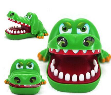 Укус крокодила в игрушке трюк игрушки милые животные детские игрушки для детей brinquedos подарок для детей открытый весело играть в игры весело детские игрушки