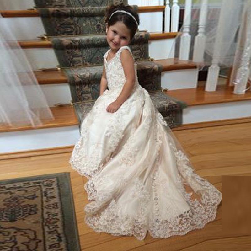결혼식을위한 레이스 꽃 소녀 드레스 V 넥 스파게티 스팽글 아플리케 Tulle Satin Sweep Train 아이보리 미식가 드레스 소녀를위한