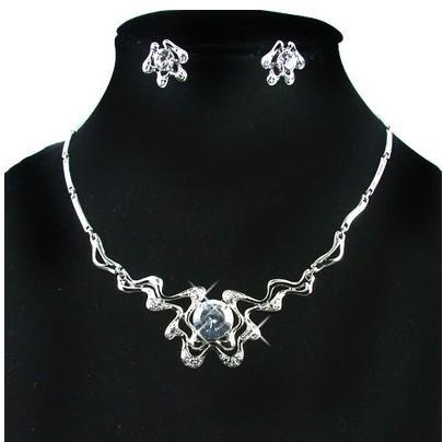 ensemble collier de fleurs de diamants blancs Earings (Ming) jte