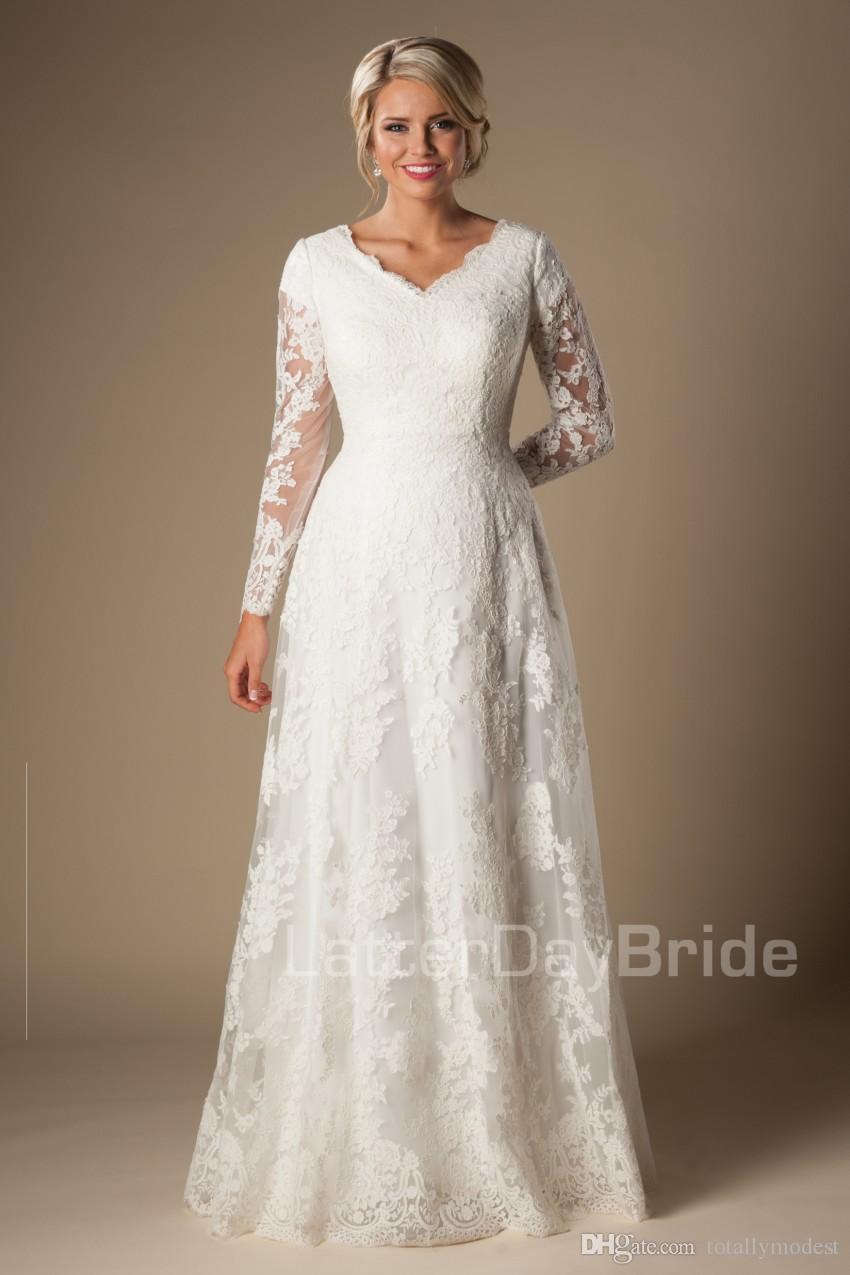 아이 보 리 A 라인 빈티지 레이스 Appliques 긴 소매와 겸손 한 웨딩 드레스 브이 넥 단추 소매 긴 신부 가운 맞춤 제작