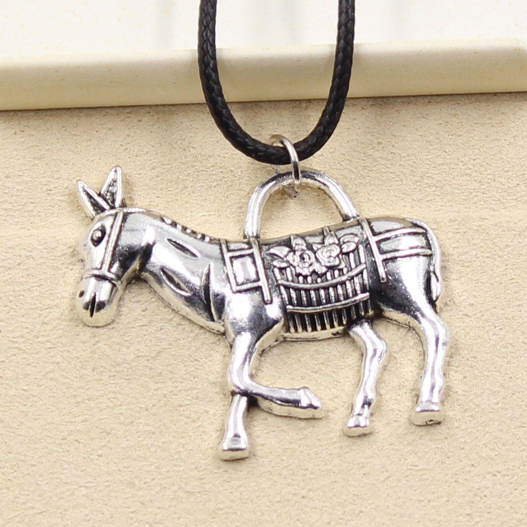 12pcs nuevo de la manera de plata tibetana colgante burro 33 * 30mm Collar Gargantilla Negro Charm cordón de cuero del precio de fábrica hecha a mano Jewlery