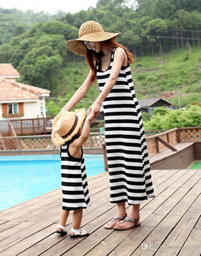 Top Quality Summer Family Matching Outfits 2017 New Kids Clothing Stripe Sleeveless Casual Mother Daughter Dresses Clothes Mommy and Me
