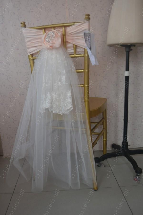 2016 Custom Made Lace Crystals Tulle Chair Covers Romantic Beautiful Chair Sashes Cheap Wedding Chair Decorations 016