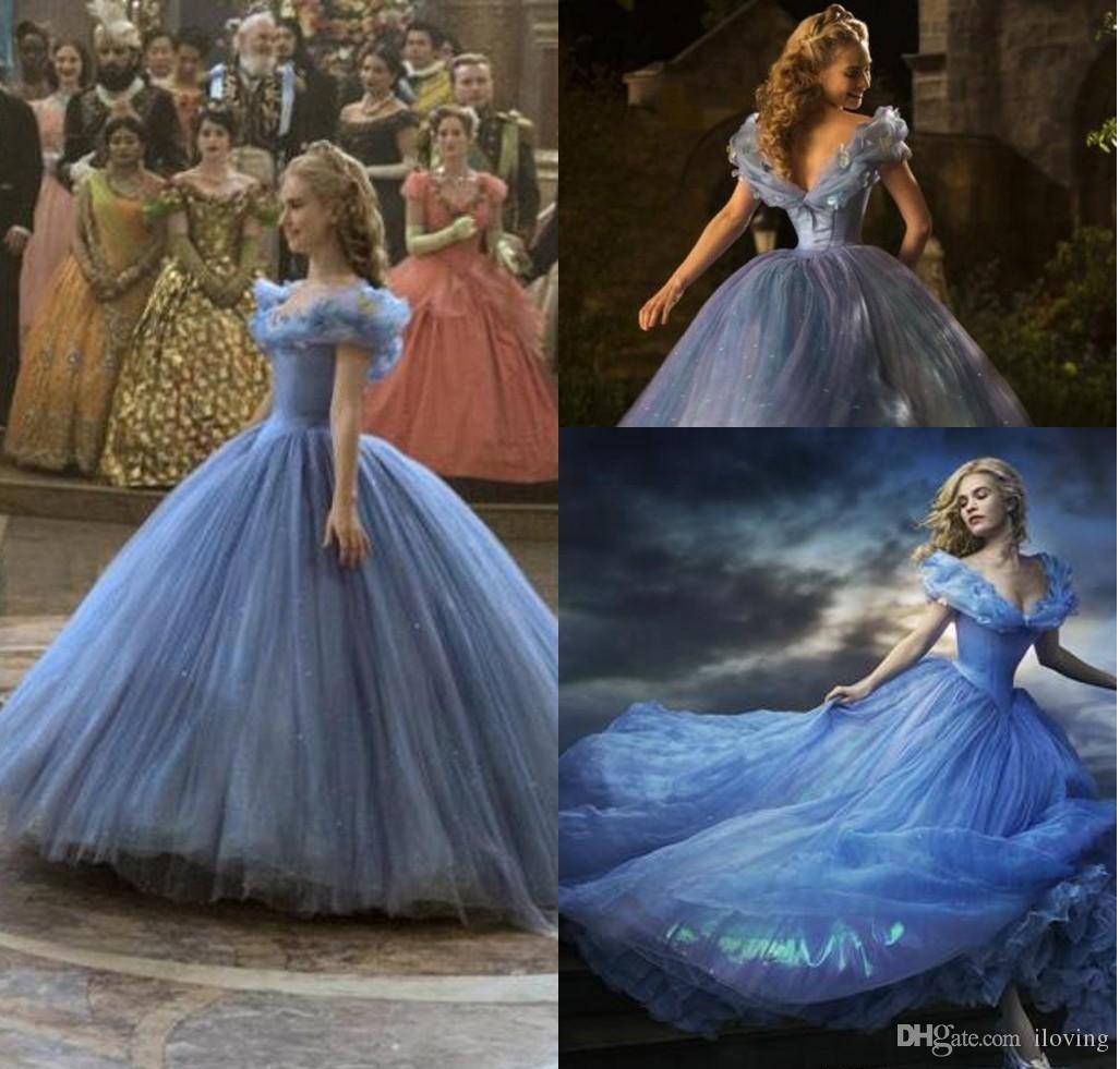 Großhandel 18 Cinderella Prom Kleider Ballkleid Kristalle Blaue  Prinzessin Bodenlangen V Ausschnitt Abend Ballkleider Abgestuft Blau  Quinceanera