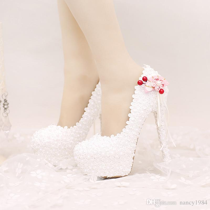 2017 Blanc Dentelle Chaussures De Mariée Plates-formes Belles Femmes Pompes avec Appliques Gland Magnifique Conception De Mariée Parti Chaussures De Bal
