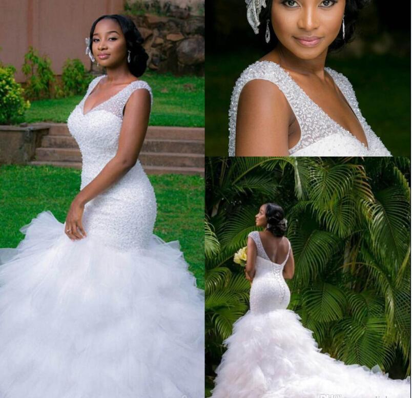 Abiti Arabici Plus Size Abiti da sposa 2021 Deep V Collo V Perline Layer Mermaid Abiti da sposa Cappella Treno Lace Up Back Beach Bridal Dress