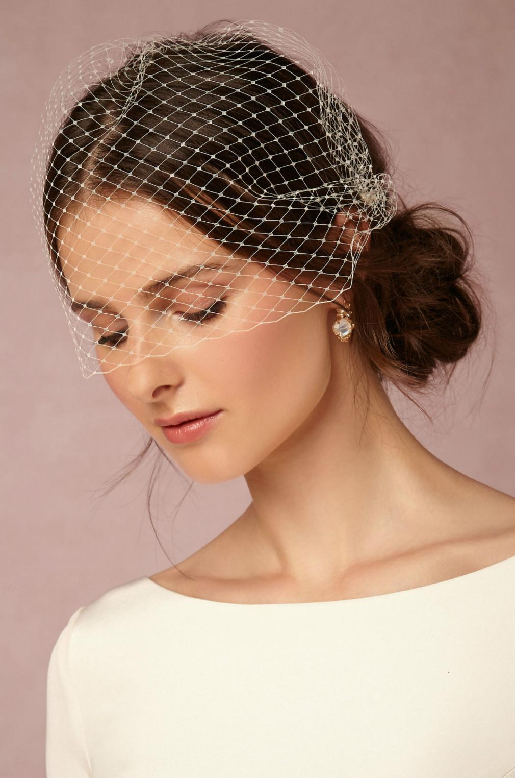 New Cheap Wedding Veils Birdcage Modern Bridal Veil WITH Comb Elegant White Ivory Short
