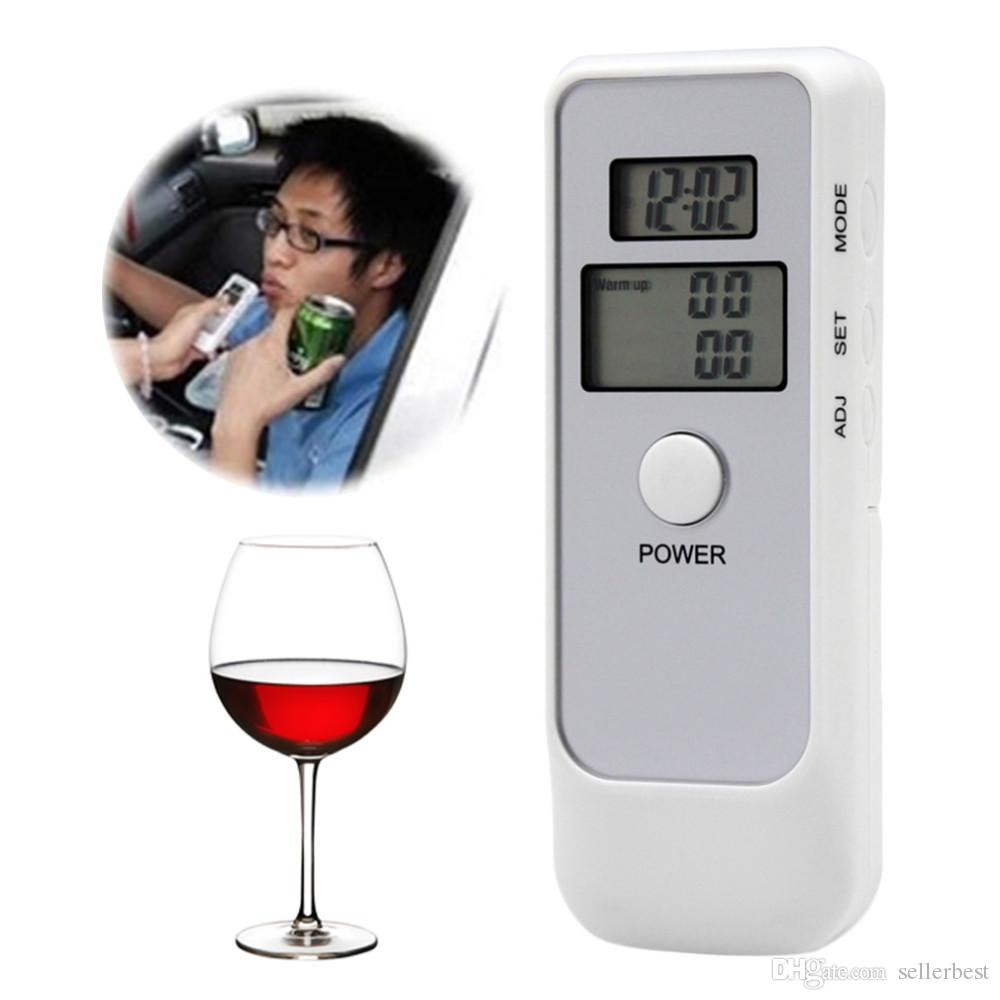 AD06 Sürücü Güvenliği ile Çift LCD Dijital Breath Alkol Tester Saat Arka Işık Breathalyzer Sürüş Essentials Park Dedektörü Gadget