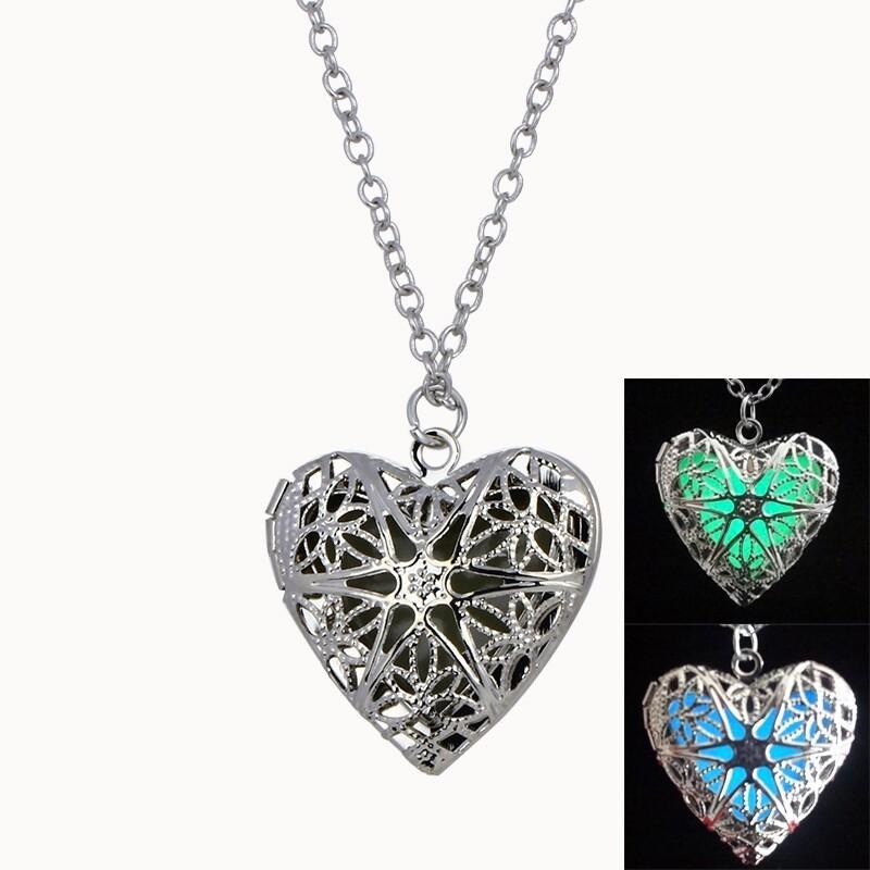 VENTE Europe et Amérique pendentif creux en forme de coeur émettant de la lumière collier lumineux bijoux femme printemps et en été essentiel