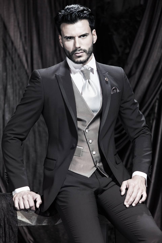 Nuevo diseñador moderno 2015 Un botón Carbón personalizado para hombre Traje Novio Tuxedos Slim Fit novio y padrino de boda traje + pantalones + corbata + chaleco