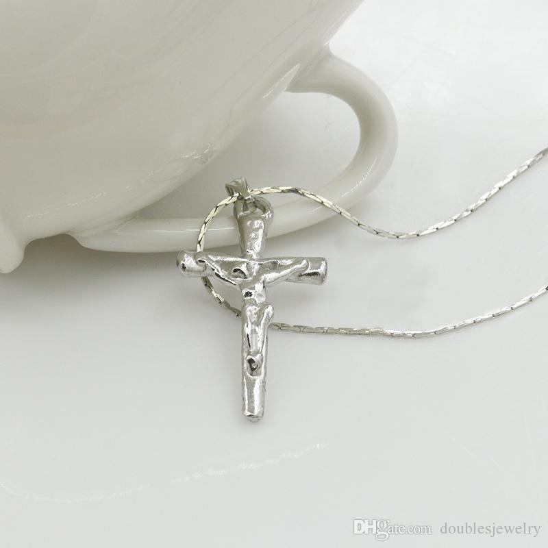 Europe en vrac Les états cross dans Jesus United EXQUISITE Collier, ornements, accessoires de chaîne, clavicule vendu de nouveaux pendentifs et FAHAT