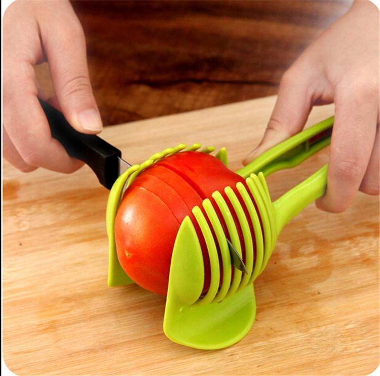 1pcs Tomatenschneider Obst Cutter Ständer Utensilios De Cozinha Assistent lounged Tomate Zitrone Shreadders Slicer zufällige Farbe