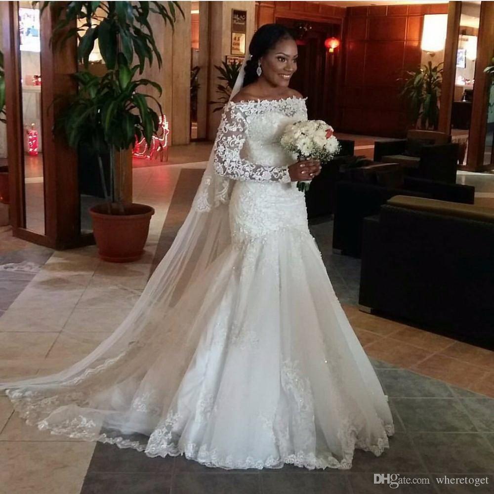 Africano 2019 Vestidos de novia de sirena sexy Largo sin mangas de hombro Modesto Apliques de encaje Granos Vestidos de novia Corte de tren Velo gratis