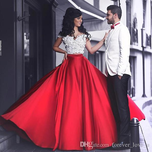 Arabic Two Pieces Prom Dresses White Red Off the Shoulder Vintage Appliques Crop Top Long Formal Evening Party Gowns with Chapel Train