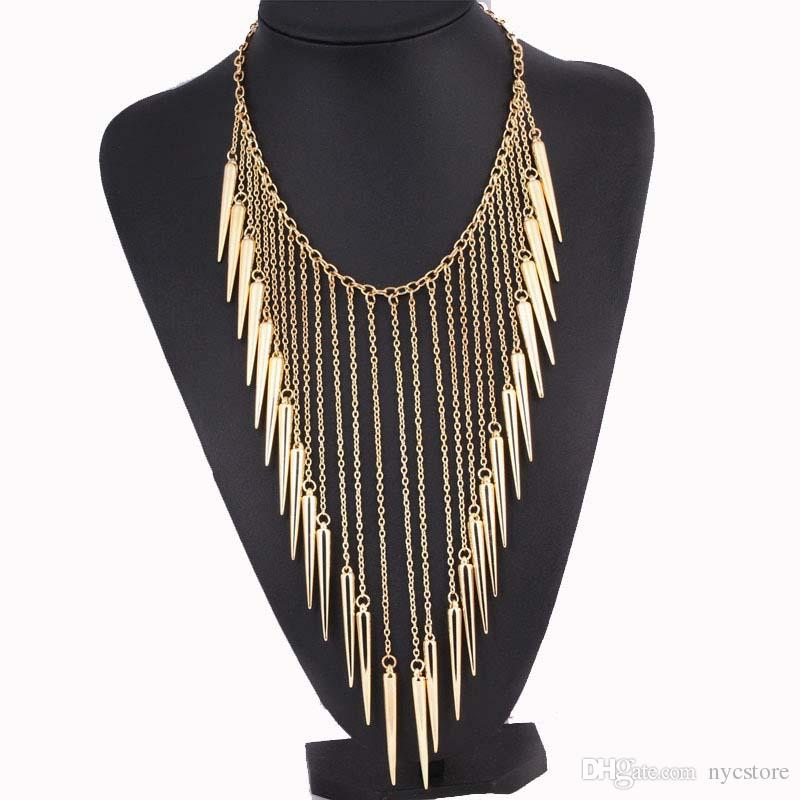Punk Rivet Colar Spikes Colar apelativo para as mulheres Alloy colares Vintage pingentes de moda jóias rebites Tassel Colares