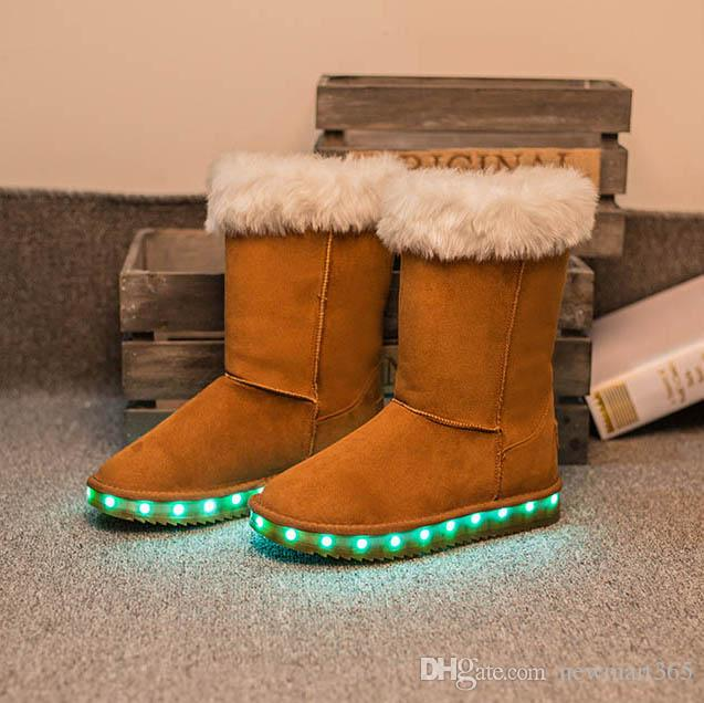 LED Snow Boots invernali Black Light Up Shoes Luminoso da donna USB Ricarica Colorful Glowing Shoes Short Floss Snow Boots 7Color