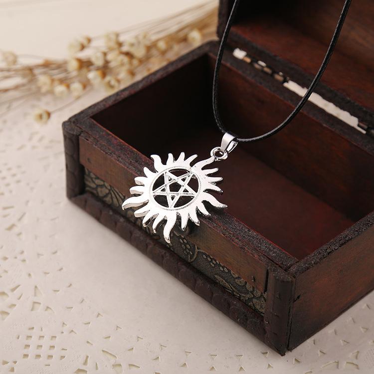 Benzersiz Pentagram Supernatural Dean Anti-Possession Sembol Gümüş Alaşım Kolye Takı Kolye Kolye Moda Zinciri Aksesuarları Ücretsiz DHL
