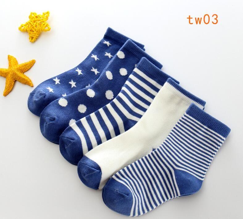 10 Paar = 20PCS / lot Babysocken Neonatal Sommer-Ineinander greifen Cotton Tupfen Ebene Streifen Kinder Mädchen Jungen Kinder Socken für 1-12 Jahre