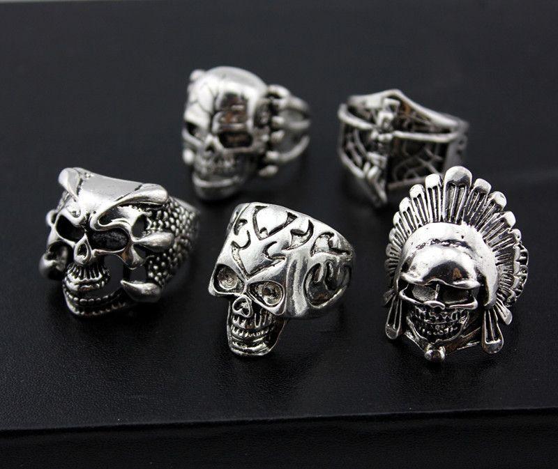 All'ingrosso lotti misti 36pcs Skull da uomo Stile Punk in lega di metallo anelli di gioielli in lega di grandi dimensioni Brand New