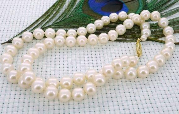 Bella collana di perle rotonde bianche del mare del sud di 9-10mm con fermaglio in oro 14 k
