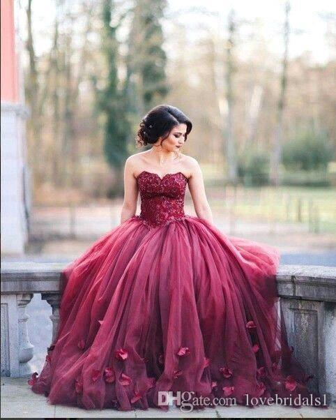 2019 sweet Burgundy Strapless Ball Gown Princess Quinceanera Dresses Lace Bodice Basque Waist Backless Long Prom Dresses