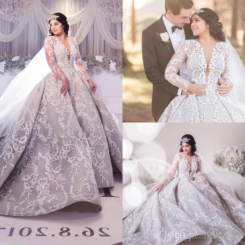 Robe de boule dentelle Dubai robes de mariée 2018 dentelle à manches longues appliquées Arabie Saoudite Robes de mariée Sheer Pluning Colding Robe de mariée