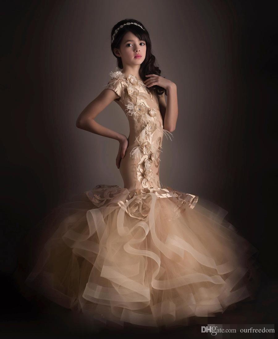2019 Custom Made Mermaid Flower Girls vestidos apliques de plumas Cute Litter Girls Pageant vestido para la boda por encargo moda moderna