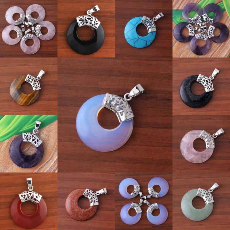 Pendente dell'annata di forma vuota rotonda rotonda di pietra mista placcata argento 10Pcs all'ingrosso per i gioielli di fascino della collana