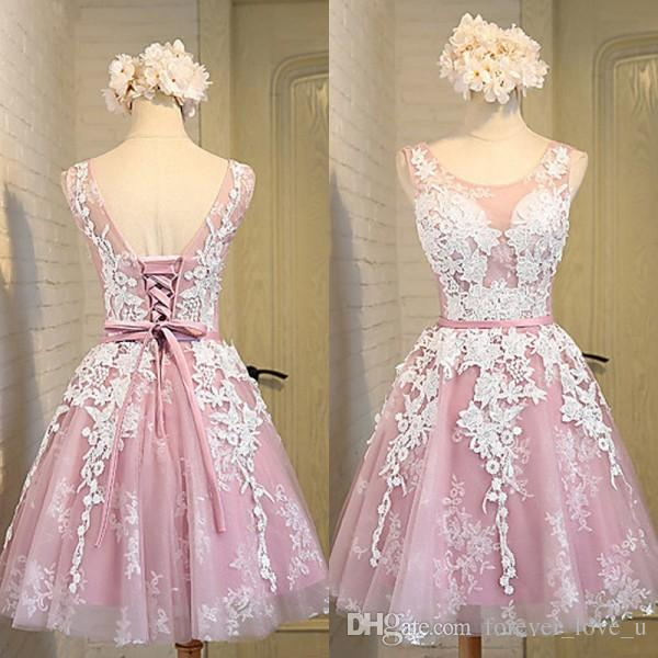 New Arrival High Quality Cheap Short Prom Dresses Sheer Crew Neck Sleeveless Vintage Lace Appliques Cocktail Party Gowns with Sash