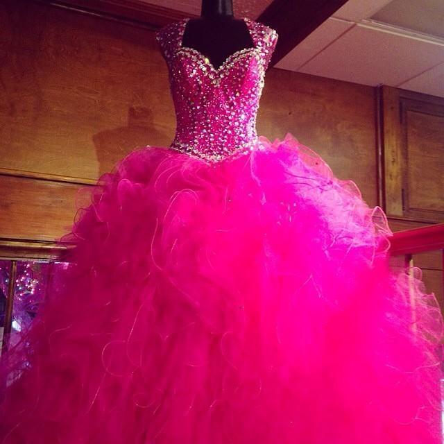 Véritable image Hot Pink Mascarade Quinceanera Robes 2016 Robes de 15 anos Cristal Perlé Doux 16 Bal Robe De Fête D'anniversaire