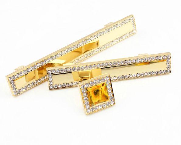 2pcs de luxe en cristal d'or en verre diamant Meubles Articles de fer Boutons Armoire tiroirs Armoires de cuisine Armoires Dresser Accessoires de porte Poignées
