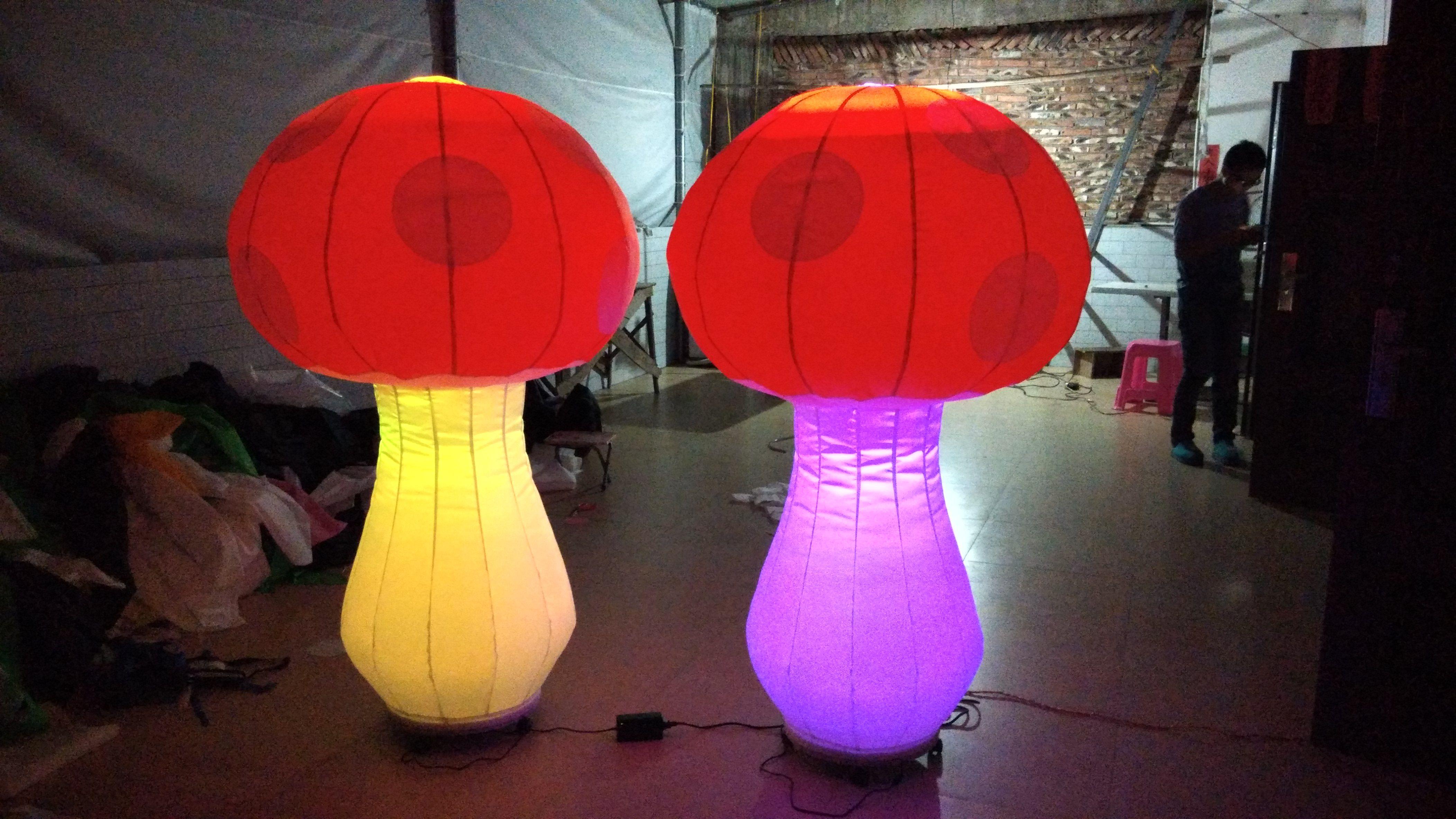 1,5 cogumelo inflável do balão grande bonito barato alto para a decoração