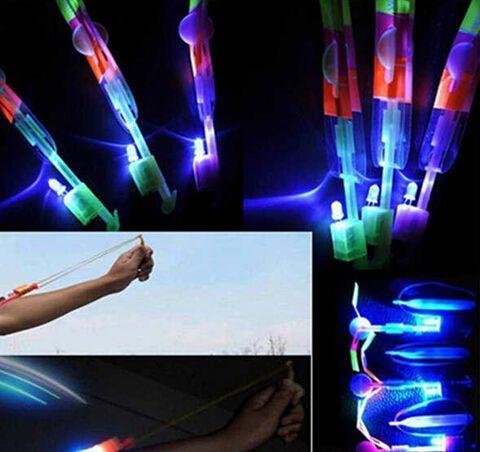 50pcs Regalo de Navidad LED flecha increíble Flying helicóptero paraguas niños juguetes Space UFO, LED Lighte Up Toys