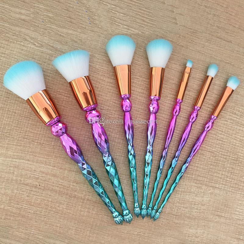 7pcs Diamant Make-up Pinsel Set Professionelle Highlighter Bürsten Concealer bilden Bürsten-Satz Mermaid Bürsten Kit