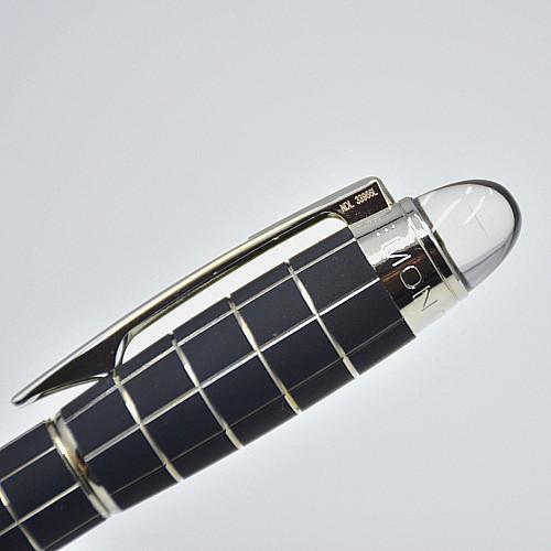 Vendita calda - Alta qualità MB nero metallo griglia Stilografica con forniture per ufficio scuola di lusso scrittura liscia penna inchiostro marchio Mon come regalo