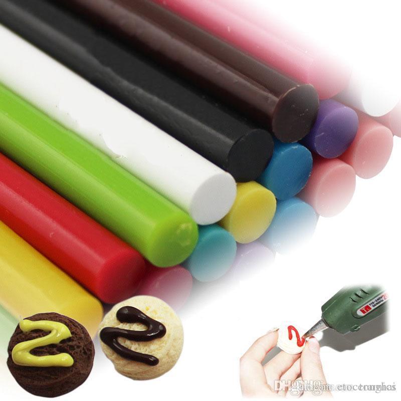 7mm * 100mm solide couleur thermofusible bâtons de colle pour la colle électrique pistolet pistolet d'artisanat réparation bricolage accessoires bâtons adhésifs H210408