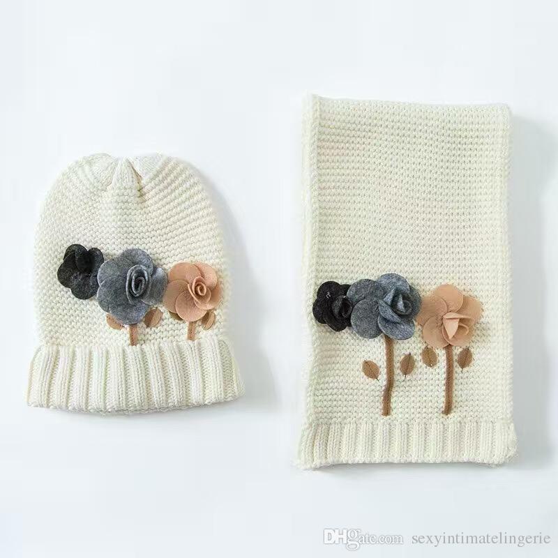 Wholesale Flower Cotton Baby Hat &Scarf Set France Delicate Crochet Baby Beanies Kids Fall Winter Baby Cap Handmade Windproof Earmuffs Cap