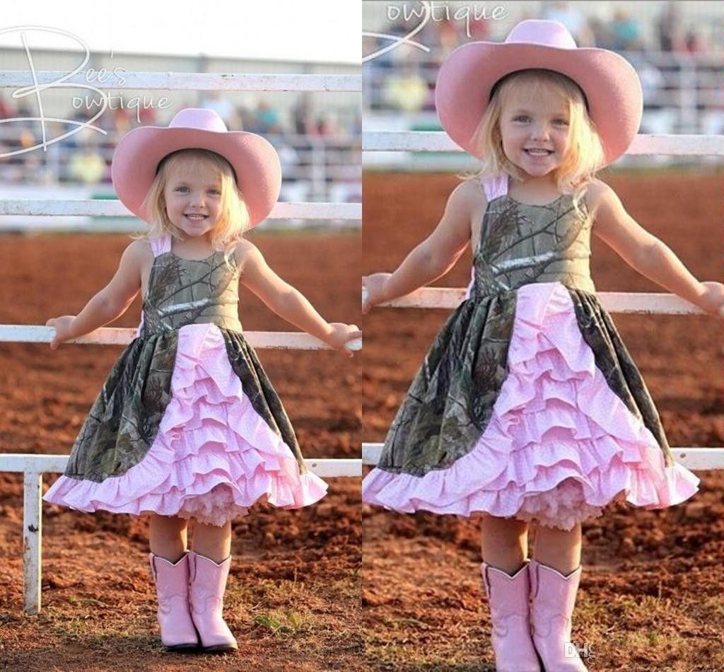 Cheap Flowers Girls' Dress Short Camo Whit Pink Satin Cute Dress For Kids Beach Wedding Dress Sleeveless Knee Length Tiered Skirts Vintage