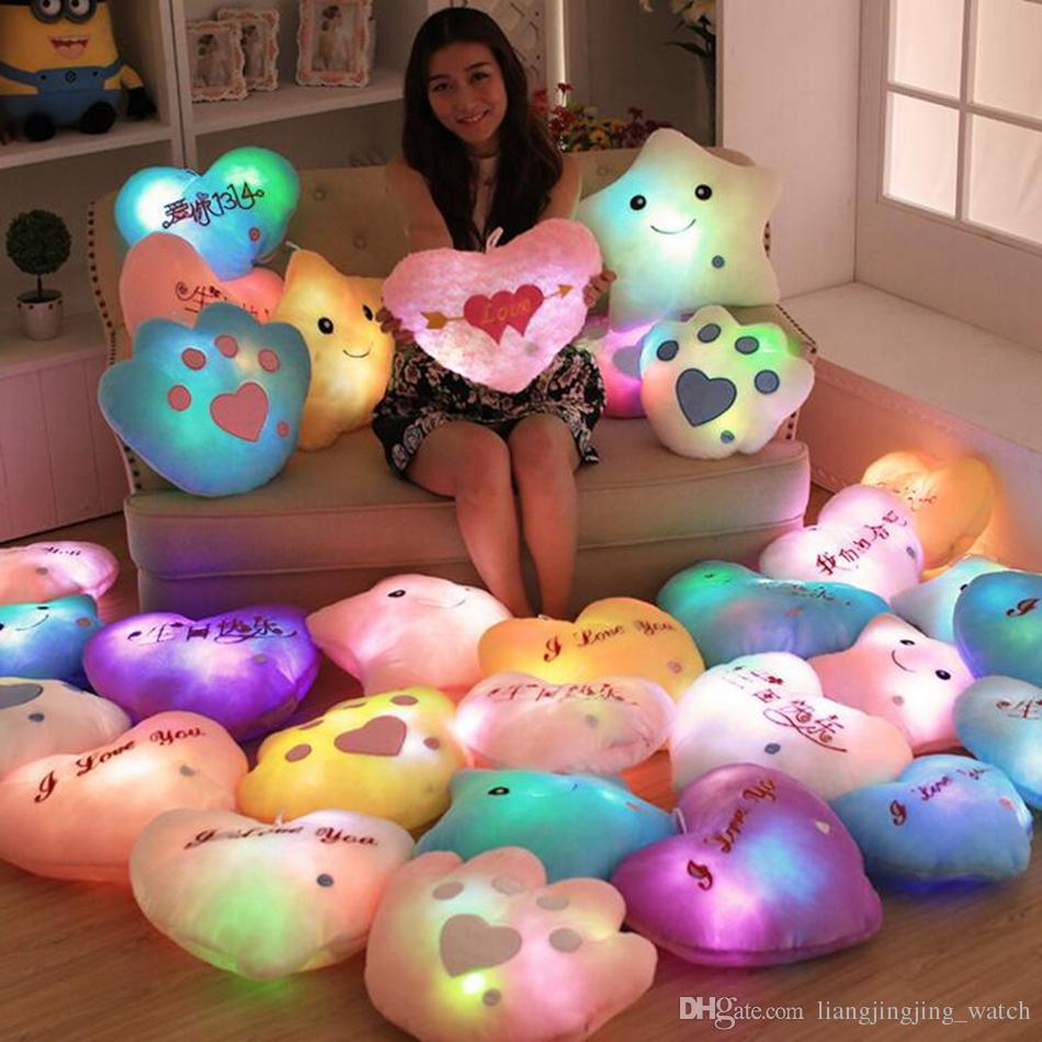 Luminous glühende Kissen-Stern-Herz Bear Paw LED-Licht-Plüsch-Kissen-Nachtlicht für Kinder Kissen Weihnachten Spielzeug OOA2649