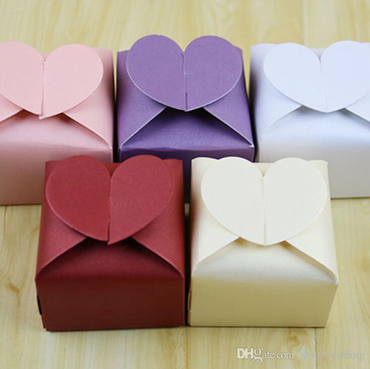Scatole d'imballaggio variopinte di Candy di favore e di regalo di nozze di forma del cuore di amore dolce 100pcs / lot di trasporto libero