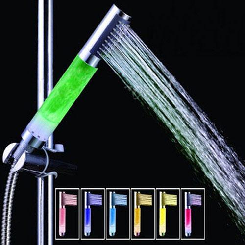Runder Stock-Hahn LED Glühen beleuchtet Handduschkopf-Badezimmer-Regenbogen-Wasserstrom Heißer Verkauf 7 heller Duschkopf der Farben-LED