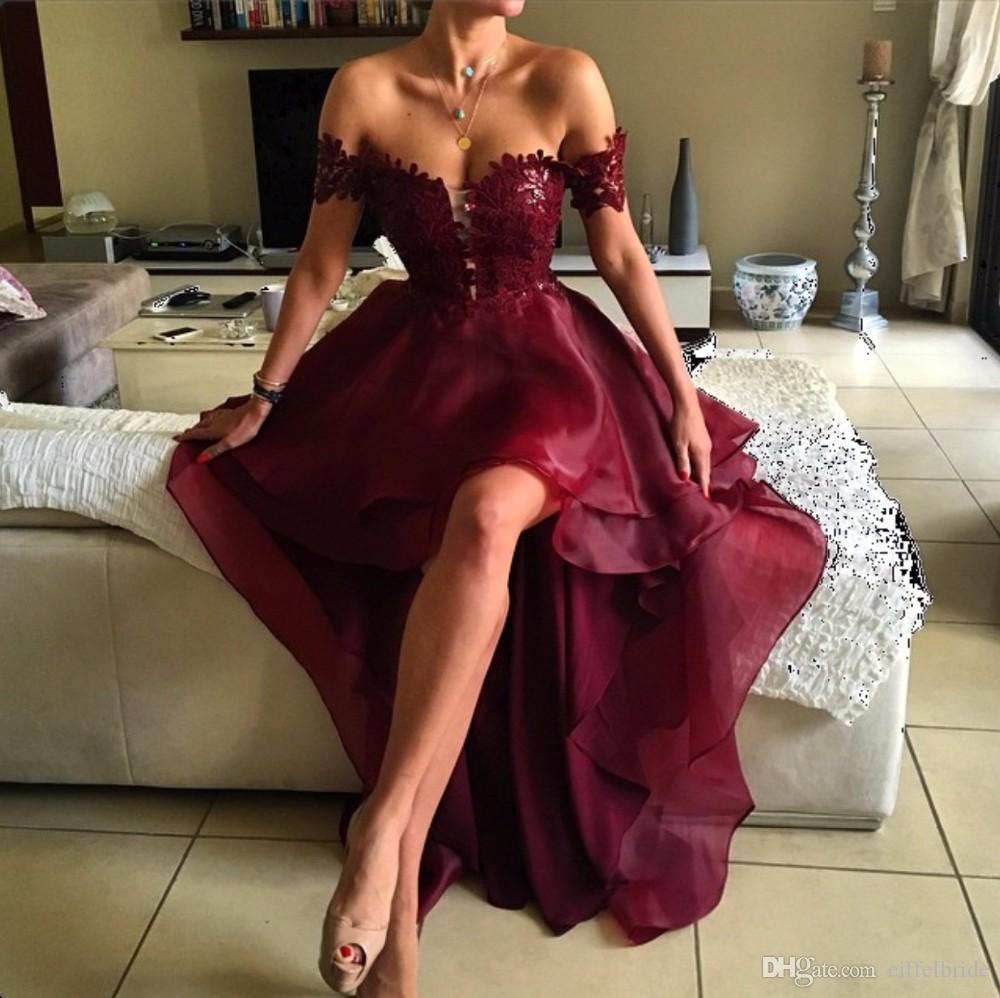 2016 Fashion High Low Prom Dresses Sexy Lace Applique Off Shoulder Elegante Borgogna Una linea Backless Organza abiti da sera formale del partito