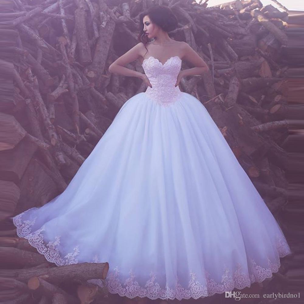 2017新しいエレガントな恋人のアップリケチュールボールガウンのウェディングドレスアラビアスイープ列車のレースの結婚式のブライダルガウンカスタムメイド