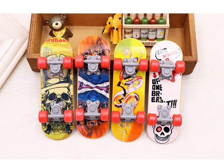 4 Pcs New Finger Skate Boarding Playing Fingerboard For Boys Girls Children