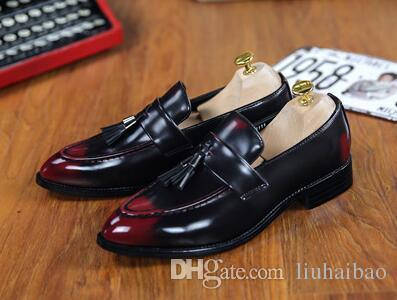 Men Dress Leather Shoes Slip On Fashion Men Leather Moccasin Glitter Formal Male Shoes Pointed Toe Shoes For Men Size: EU38-43
