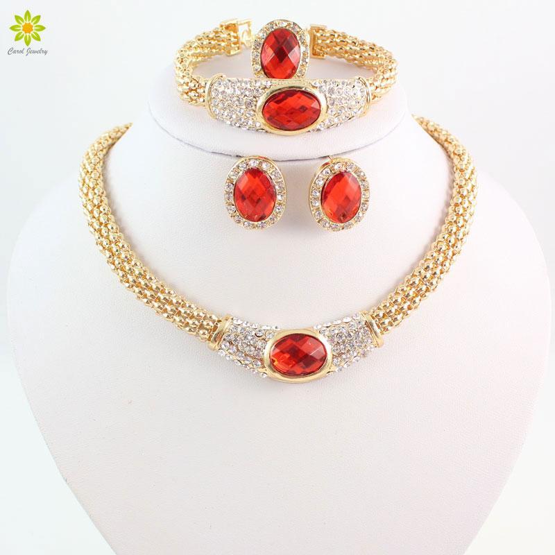 Insiemi dei monili alla moda per le donne Ciondolo ovale Collana di cristallo Orecchini Bracciale Anello placcato oro Set di gioielli da sposa