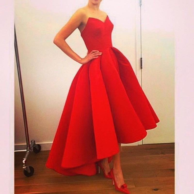 디자이너 아랍어 연인 높은 낮은 빨간색 매트 무광택 새틴 댄스 파티 드레스 빨간 공을 가운 높은 패션 이브닝 가운 축제