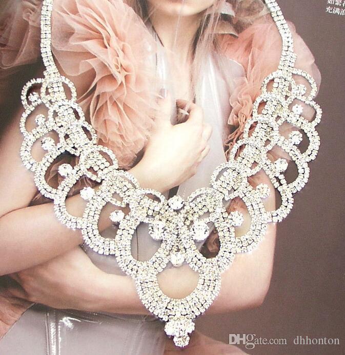 Un ensemble diadèmes de mariée couronne Haute Qualité Brillant Perles Cristaux De Mariage Couronne Collier De Mariée ensemble Couronne Bandeau Cheveux Accessoires
